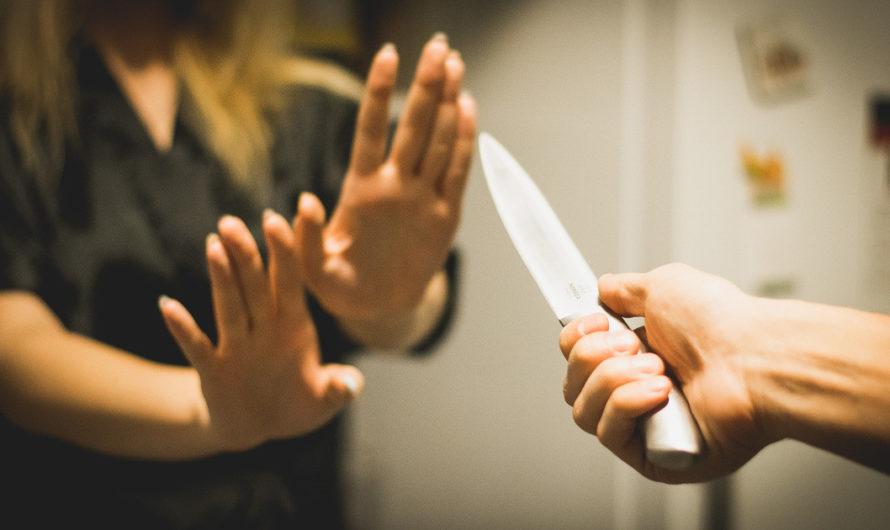 Бугурусланец, размахивая ножом, угрожал знакомой убийством