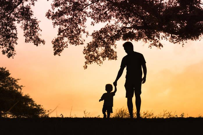 Почему  стало меньше семей с детьми и больше отцов-одиночек?