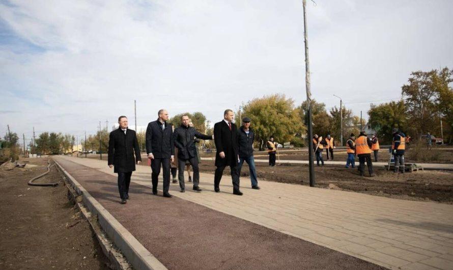 Денис Паслер проверил ход благоустройства общественных территорий и дорожного ремонта в Оренбурге
